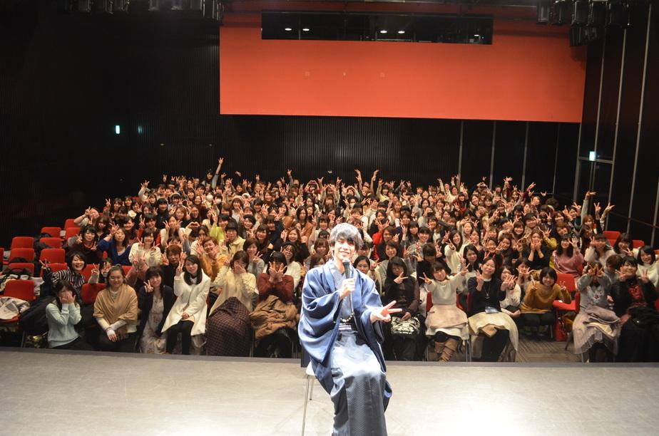黒羽麻璃央オフィシャルサイト発足記念イベント 大阪~謹賀新年 あけましておめでとう!!イベントメモリアル写真2